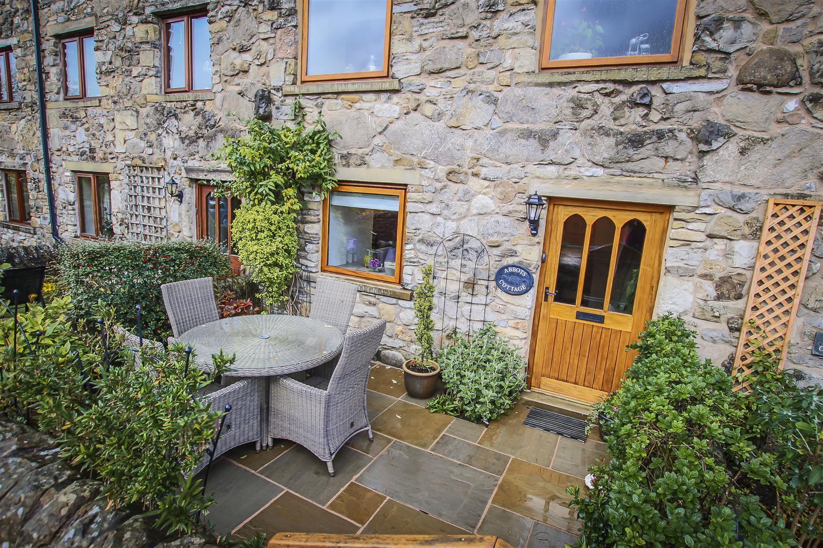 3 Bedroom Cottage For Sale - Main Image